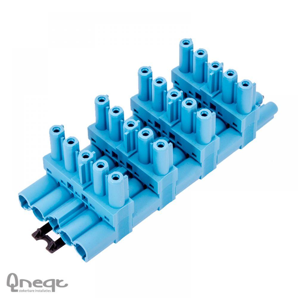 Qneqt 5-polige verdeler 1 in 5 uit pastelblauw horizontaal